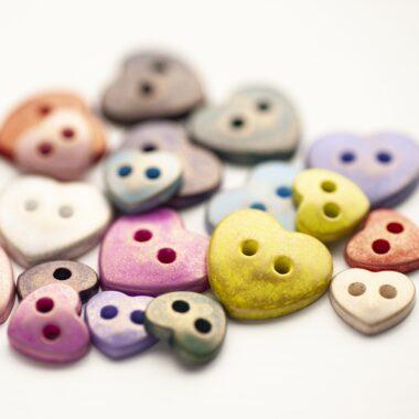 Italian 2 hole heart Button